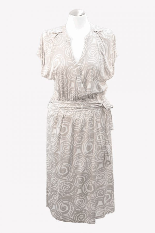 Hugo Boss Kleid mit Muster aus Seide Frühjahr / Sommer.1