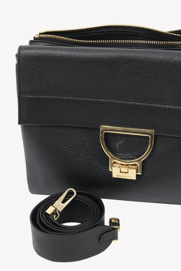 Umhängetasche in Schwarz aus Leder Coccinelle