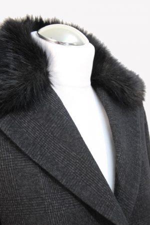 Mantel in Schwarz aus Wolle Saccor