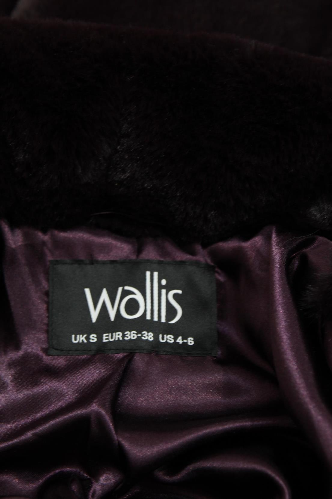 Mantel in Bordeaux Wallis