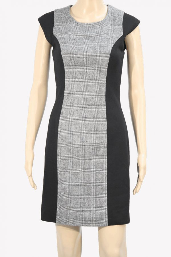 Kleid in Grau aus Wolle French Connection