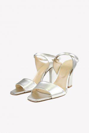Aeyde Sandalen in Silber aus Leder.1
